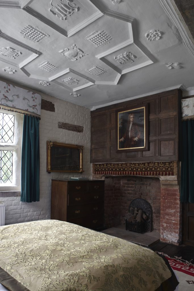 Website-2015-Thatcher-Suite-plasterwork-